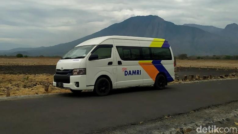 Kementerian Perhubungan bersama Perum Damri telah menyediakan layanan angkutan wisata gratis ke sejumlah destinasi wisata di Banyuwangi.