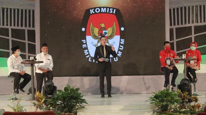 Debat perdana calon Wali Kota dan Wakil Wali Kota Magelang di Atria Magelang Hotel, Kamis (22/10/2020).