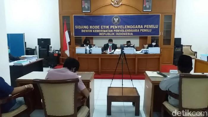 DKPP Gelar Sidang Etik 9 Penyelenggara Pemilu di Surabaya