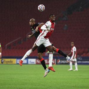 Eks Defender Liverpool Ini Suka Gaya Fabinho Jadi Bek Tengah