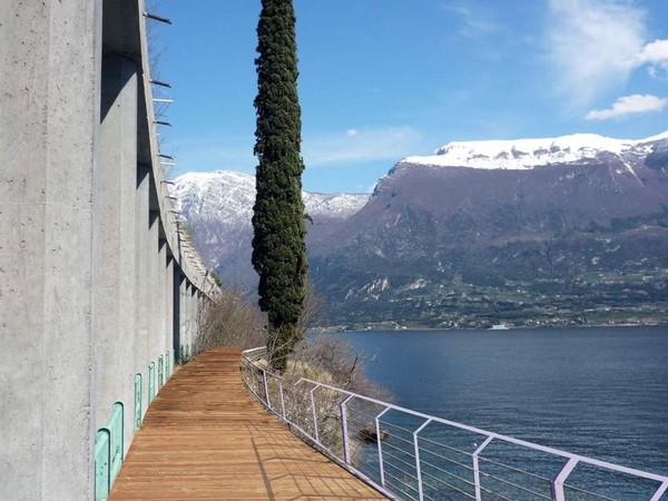 Italia membangun jalur sepeda di Danau Garda yang merupakan danau terbesar di negara itu. Jalur sepanjang 140 km ini telah dikerjakan selama dua tahun terakhir dan ditargetkan dibuka di tahun depan.
