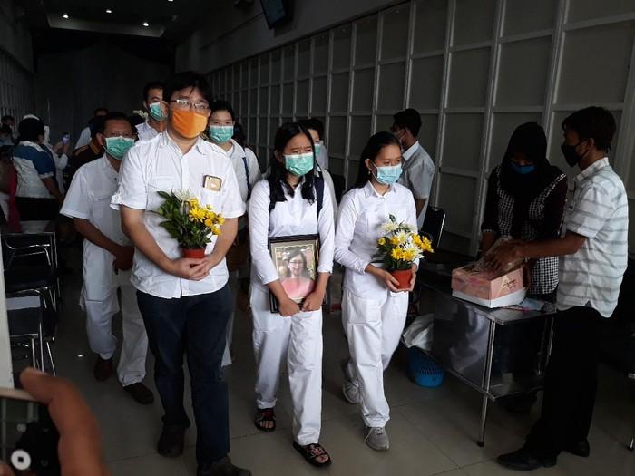Jenazah Yulia di rumah duka Thiong Ting, Solo, Kamis (22/10/2020).