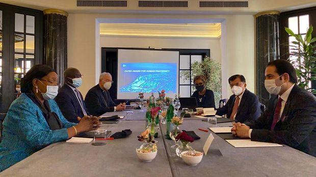 Jusuf Kalla dan para Dewan Juri saat memberikan usulan kriteria pemenang Zayed Award for Human Fraternity. Pertemuan digelar di Roma, Italia, Kamis (22/10) (dok. Istimewa)