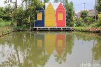 Warna-warna terang dari setiap bangunan ibu kota Amsterdam juga dihadirkan untuk menambah nuansa Belanda. (Siti Fatimah/detikcom)