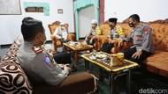 Polisi Probolinggo Ajak Santri Jihad Lawan COVID-19