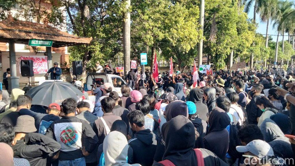 Ikut Demo Omnibus Law di Universitas Udayana, 1 Siswa SMK Dipulangkan