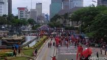 Bundaran HI Arah ke Thamrin Ditutup Imbas Demo Buruh di Patung Kuda Monas