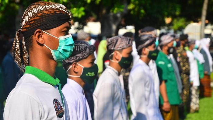 Memperingati Hari Santri Nasional dengan tema Santri Sehat, Indonesia Kuat yang jatuh pada hari ini.  ANTARA FOTO
