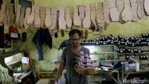 Foto Produksi Sandal Rumahan yang Banjir Pesanan