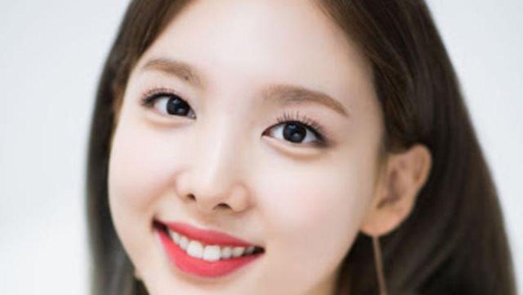 7 Standar Kecantikan Korea Selatan yang Didobrak Artis-artis K-Pop