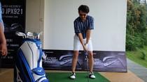 Main Golf, Ananda Omesh Rasakan Sensasi Berbeda