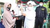 Kampanye di Pontang, Ratu Tatu Dihadiahi Makanan Khas Bontot