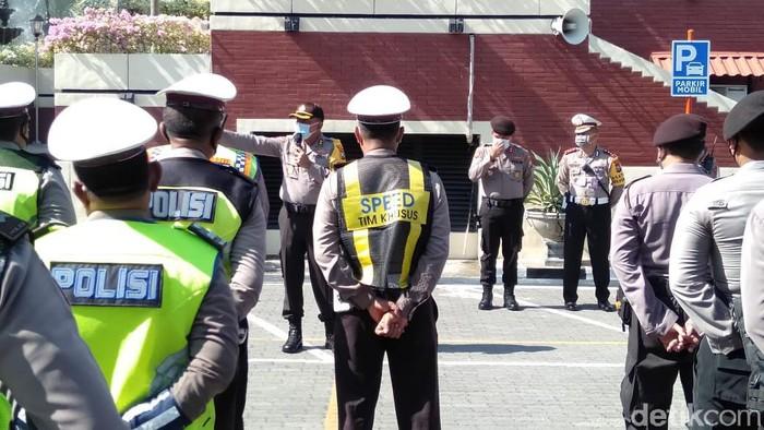 Polisi persiapan pengamanan demo Tolak Omnibus Law Hari Ini