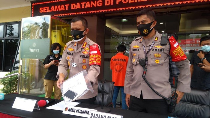 Polisi tangkap jambret vral yang rampas HP bocah di Jaksel.