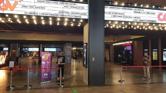 Pengoperasian kembali bioskop CGV disambut baik masyarakat. Pasalnya sudah sekitar tujuh bulan bioskop tutup karena pandemi Corona.