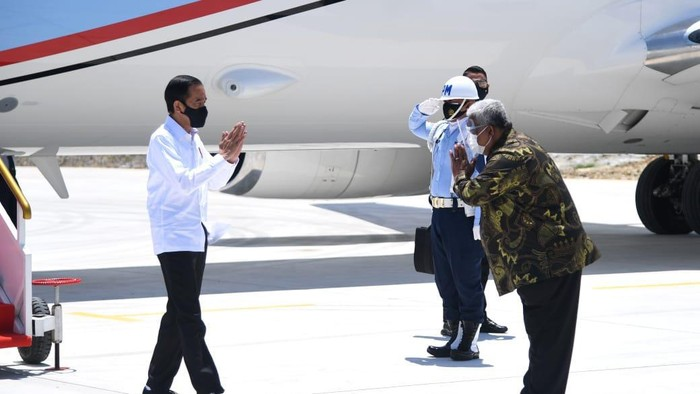 Presiden Jokowi tiba di Sulawesi Tenggara (Foto: Lukas - Biro Pers Sekretariat Presiden)