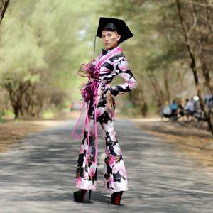 Bikin Heboh, 2 Pria Yogyakarta Ini Viral karena Wisuda Pakai High Heels