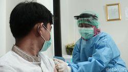 Epidemiolog UI Kritisi Rentang Usia Penerima Vaksin Corona di RI
