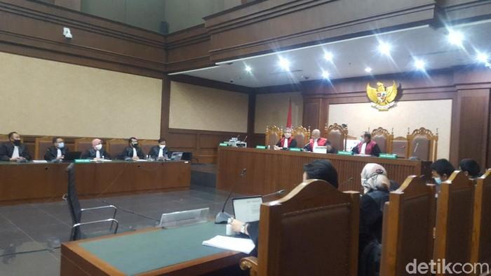 Sidang Dakwaan Eks Sekretaris MA Nurhadi