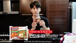 Bikin Ngiler! Yunhyeong iKON Bikin Kimbab dan Rabokki Indomie
