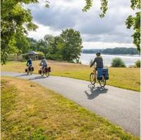 Bekerja sama dengan France Vélo Tourisme, situs khusus pun telah diluncurkan untuk menyediakan panduan dan informasi tentang akomodasi, makanan, dan penyedia layanan bagi mereka yang mau mencoba rute ini.