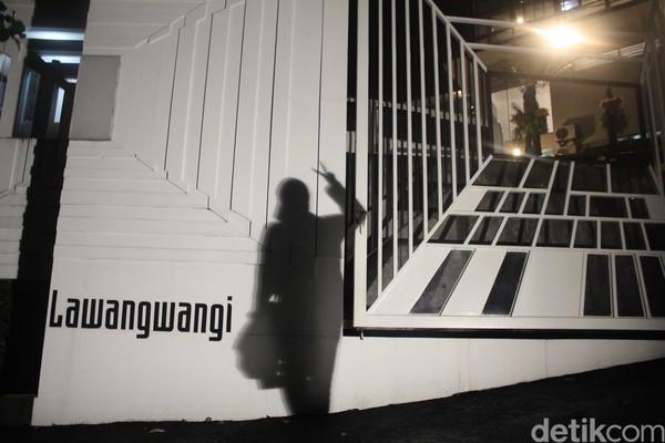 Lawang Wangi Creative Space,galeri seni ini disebut sebagai galeri terbesar yang ada di Bandung.