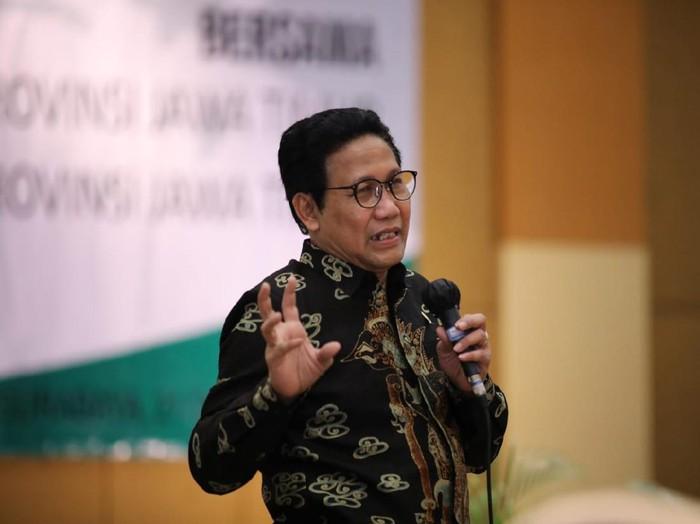 Menteri Desa, Pembangunan Daerah Tertinggal dan Transmigrasi (Mendes PDTT) Abdul Halim Iskandar bakal ke Tuban pada Sabtu (24/10). Bersama Menteri Ketenagakerjaan (Menaker) Ida Fauziyah, ia ingin meningkatkan derajat kesehatan warga desa.
