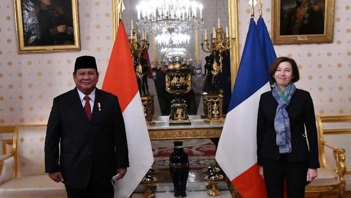 Menteri Pertahanan (Menhan) RI, Prabowo Subianto bertemu dengan Menhan Prancis, Florence Parly