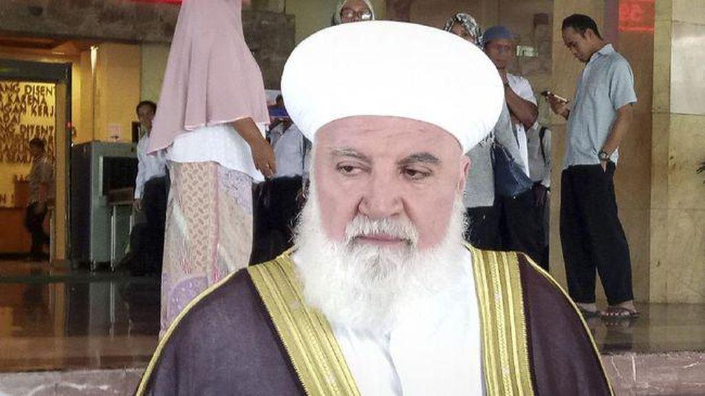 Tewasnya Mufti Damaskus dalam Ledakan Mobil yang Langka