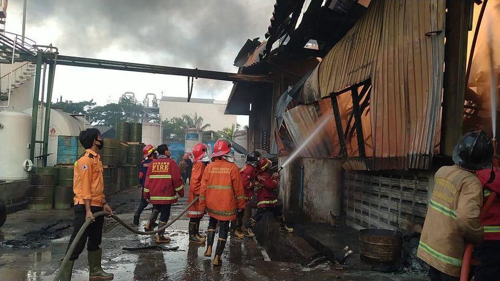 Kebakaran Pabrik Kimia di Serang, 1 Orang Tewas