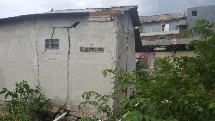 Rumah warga di Babelan, Bekasi, rusak akibat angin puting beliung (Dok istimewa)