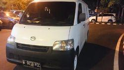 Sidang Pun Menanti Pemobil Buang Sampah di Kalimalang