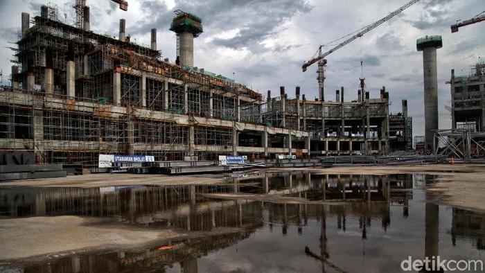 Pandemi COVID-19 tak halangi proses pembangunan Jakarta International Stadium (JIS). Yuk, lihat perkembangan pembangunan stadion yang berada di Ibu Kota itu.