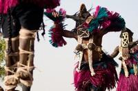 Sampai sekarang suku Dogon masih hidup sederhana tanpa listrik. (Getty Images/iStockphoto)