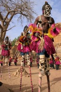 Mereka tetap hidup sederhana dengan budaya yang diturunkan oleh nenek moyang. (Getty Images/iStockphoto)