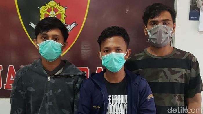 Tiga pelaku pembacokan 2 mahasiswa di Palembang ditangkap Polda Sumsel. Ketiga pelaku yang juga berstatus mahasiswa ditangkap saat akan kabur ke Bangka (dok Istimewa)