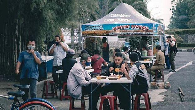 Warung Berbagi di Pekanbaru menyediakan sarapan gratis bagi warga