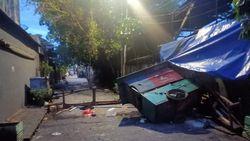 Bentrok Antarpemuda di Gunung Sahari Jakpus, Warung-Pos Hansip Dirusak