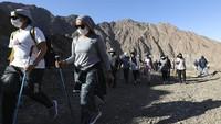 Aksi Para Wanita Daki Gunung-Kayuh Kayak di Pekan Olahraga Dubai
