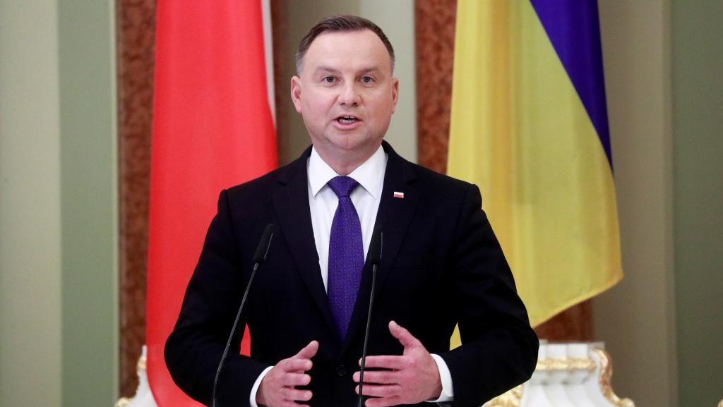 Sebut Presiden Bodoh, Penulis Terkenal Polandia Terancam Dibui 3 Tahun