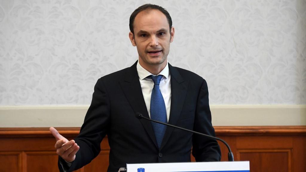 Usai Kunjungan Luar Negeri, Menlu Slovenia Dinyatakan Positif Corona