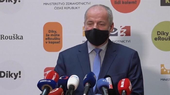 Menteri Kesehatan Ceko, Roman Prymula, menegaskan tidak akan mundur dari jabatannya usai dirinya dikecam lantaran mengunjungi sebuah restoran. Padahal, restoran seharusnya ditutup di bawah aturan pembatasan Corona.