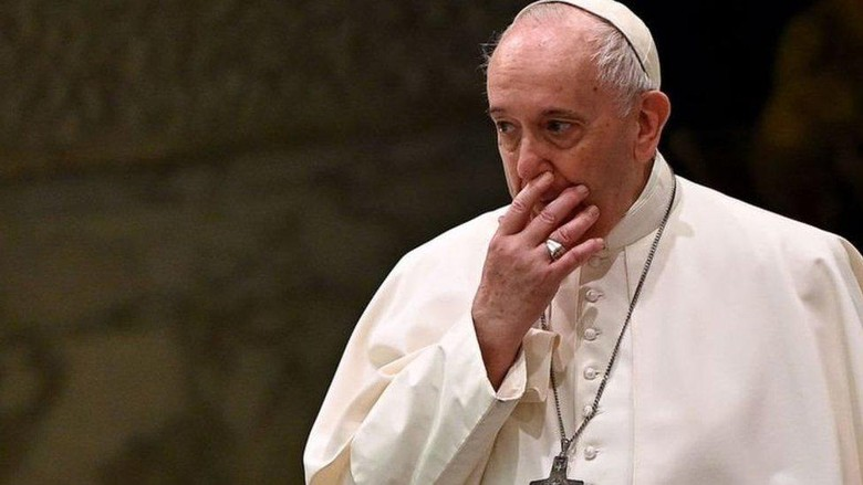 Gay punya hak untuk berkeluarga: Pernyataan Paus Fransiskus terkait homoseksual adalah pendapat pribadi, kata kardinal pengkritik