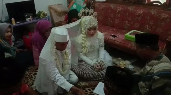 Kakek Nikahi Gadis Belia di Subang