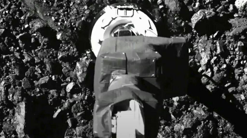 Sampel Asteroid yang Dikumpulkan Kendaraan NASA Terbuang ke Luar Angkasa