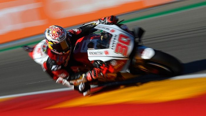 LCR Honda IDEMITSUs Japanese rider Takaaki Nakagami takes part in the third practice session ahead of the MotoGP Grand Prix of Teruel at the Motorland circuit in Alcaniz on October 24, 2020. (Photo by PIERRE-PHILIPPE MARCOU / AFP)