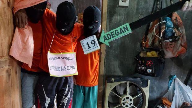 Paman yang memperkosa lalu membunuh keponakan di Deli Serdang, Sumut menjalani prarekonstruksi.