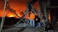 Kebakaran di Pabrik Busa Sragen Akhirnya Padam Setelah 7 Jam