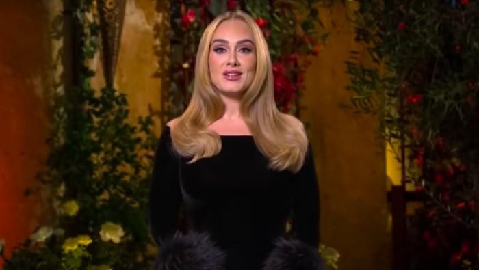 Adele tampil di TV