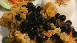 5 Kreasi Ayam Goreng Nyeleneh Ini Pakai Topping Oreo hingga Boba